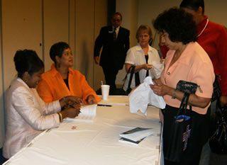 Lakewood Church Book Signing 2008